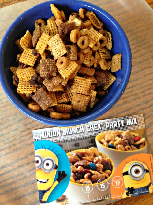 Minion Munch Chex Mix